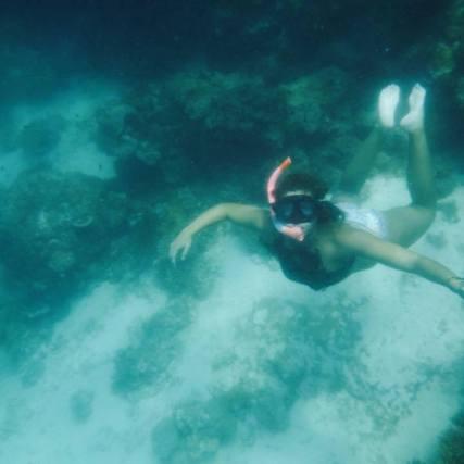 swimming-underwater